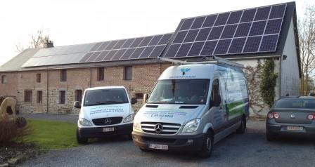 zonnepaneleninstallatie op leien