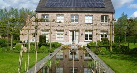 zonnepanelen installatie op dakpannen - Gijzenzele
